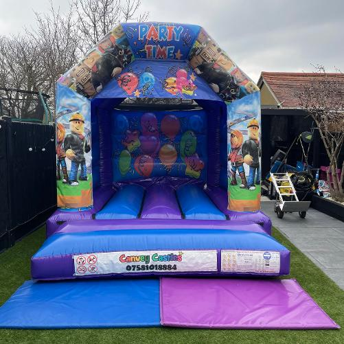 Small Roblox Bouncy Castle Hire in Essex